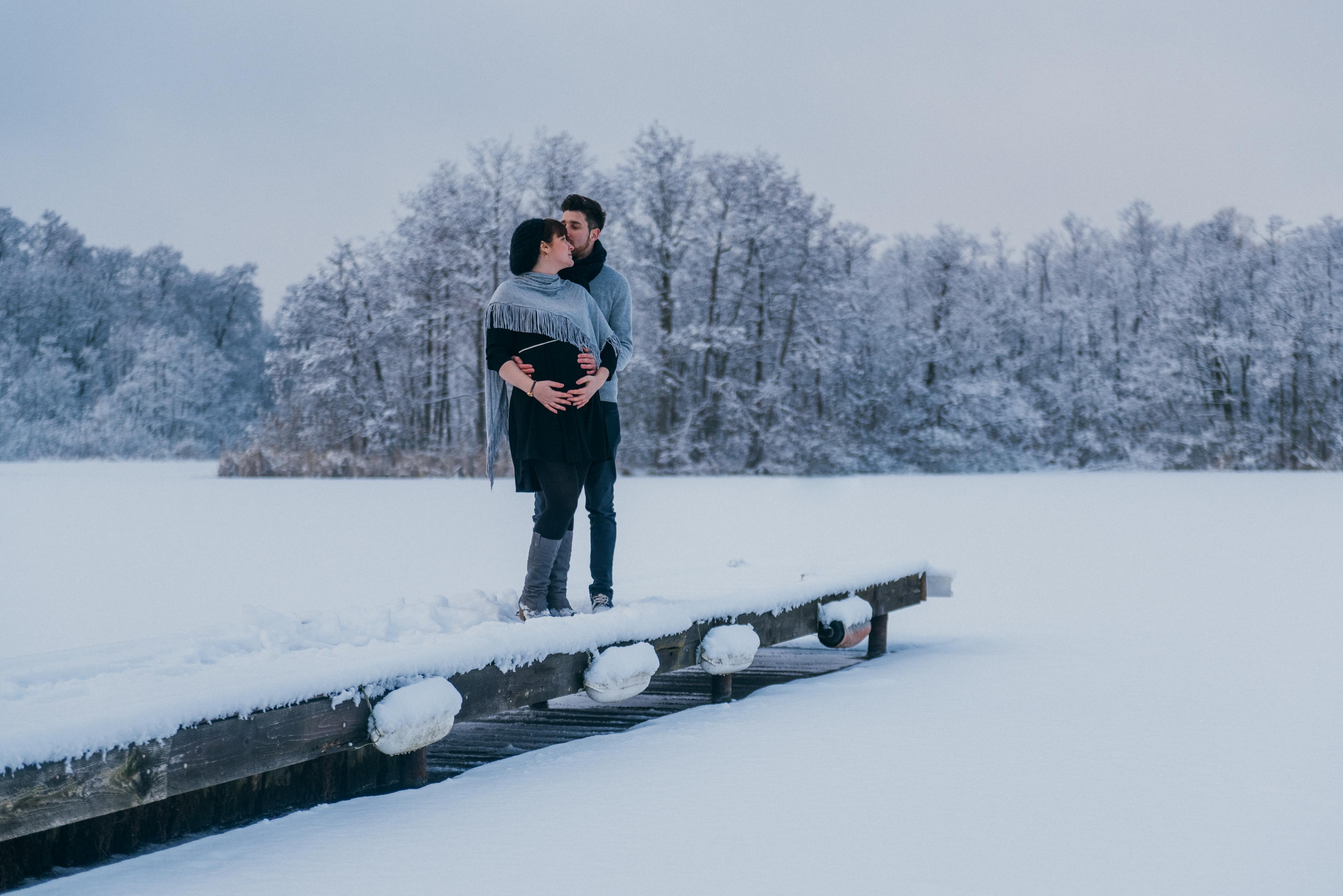 Babybauchshooting im Schnee, Gosen, Brandenburg, Berlin